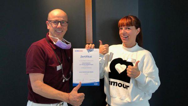Solo-Prophylaxe Zertifikat Gold-Status Zahnarzt Häußermann Stuttgart Bad Cannstatt